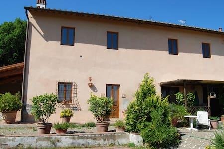 """Appartamento """"Colonica"""" vicino a Firenze - Capraia e Limite - 独立屋"""
