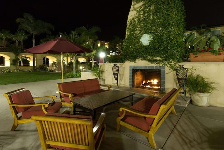Lovely Double Bed At Carlsbad - Oceanside