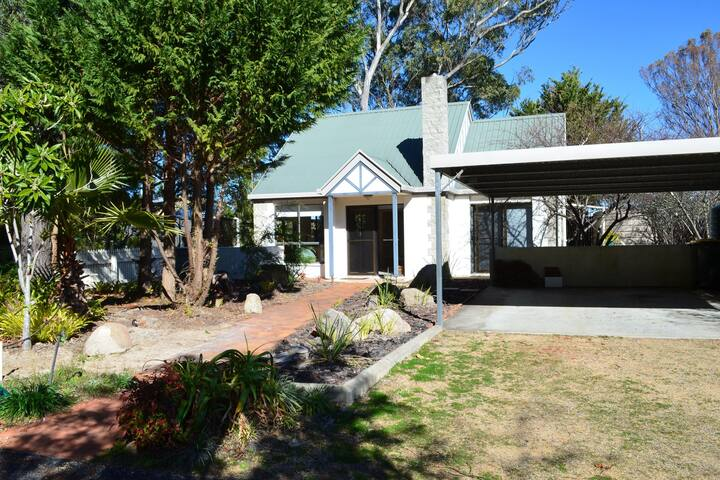 Manor Park - Stanthorpe (self contained)