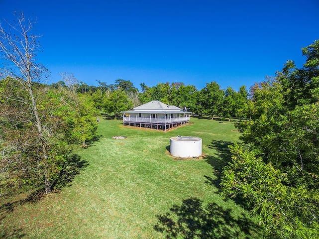 Luxury Queenslander in serene Byron Hinterland - Pearces Creek - Rumah