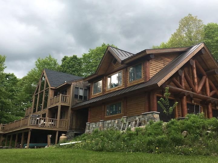 Brookside Lodge #1 SkiOut&SkiIn Property-Sleeps 12