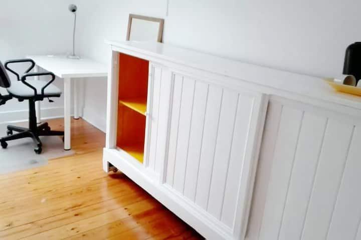 ** Gorgeous Small Cozy Room  ** (Saint-Gilles)