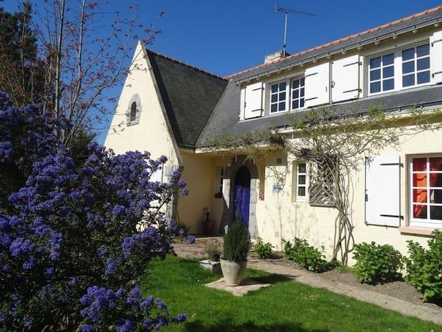 Le Cottage - Chambre Matin Bonheur - Saint-Molf - ที่พักพร้อมอาหารเช้า