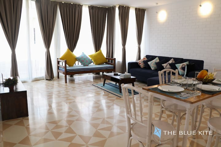 Gorgeous Apartment with rooftop pool in Candolim