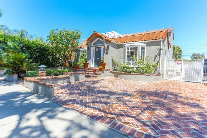Huge Home-Near Beverly Hills-West Hollywood-30 day