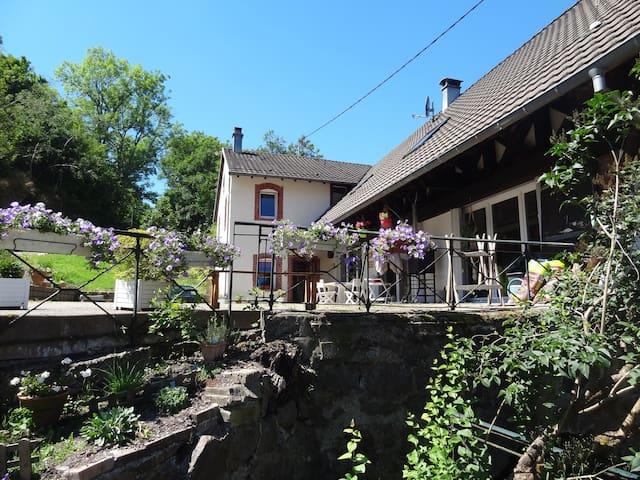 """La scierie"": gite cosy au calme - Storckensohn - Dům"