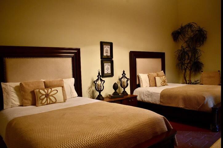Hotel Plaza Alamos (cuarto 2)