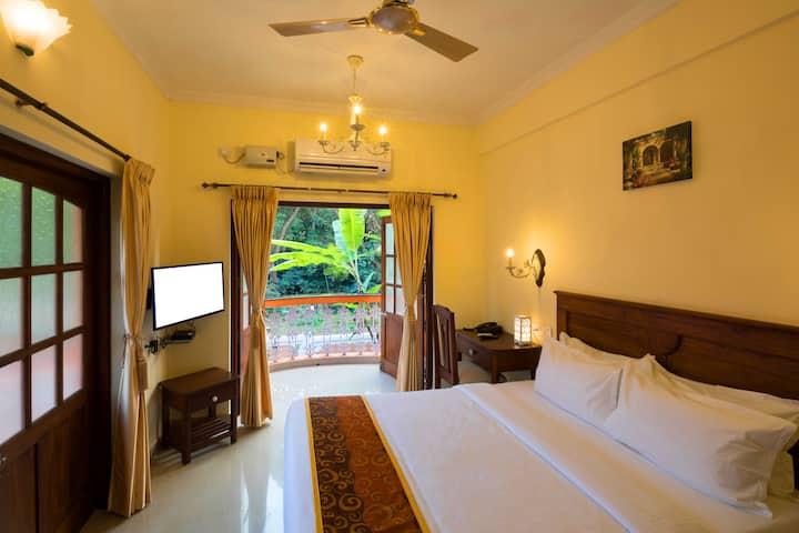 Superior Cozy Room 3