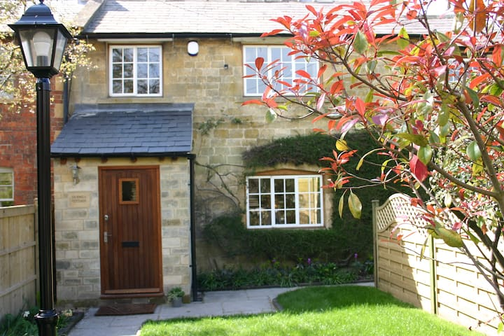 Silk Mill Cottage, a Cotswold cottage for five