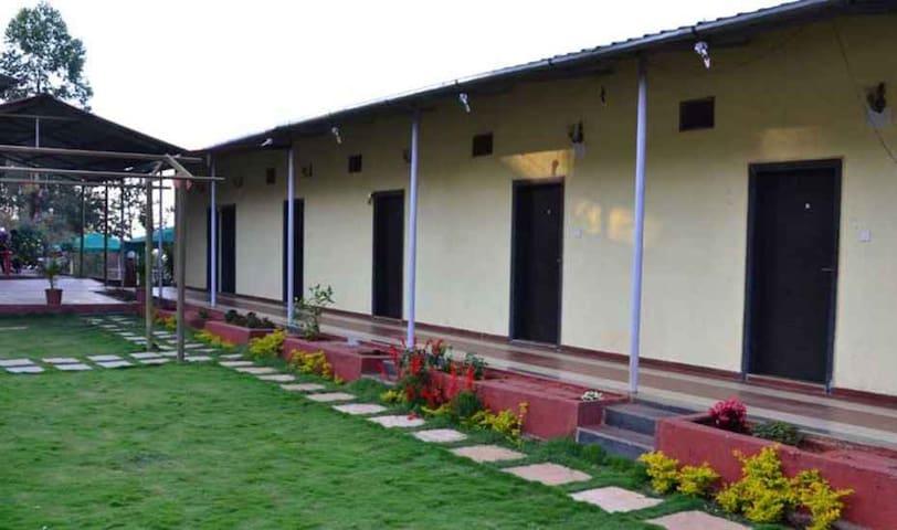 Budget AC Room In Mahabaleswar