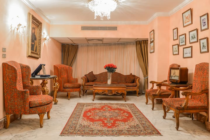 3 BEDROOM COSY NILE VIEW - Zamalek - Zamalek - Daire