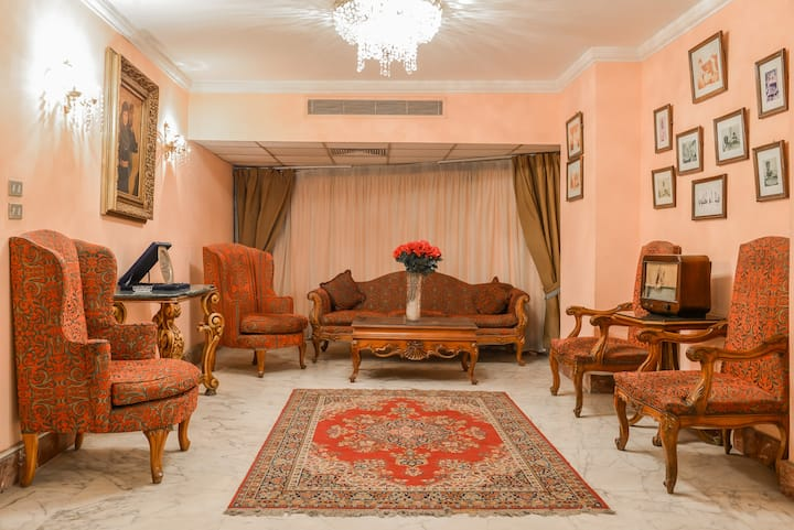 3 BEDROOM COSY NILE VIEW - Zamalek