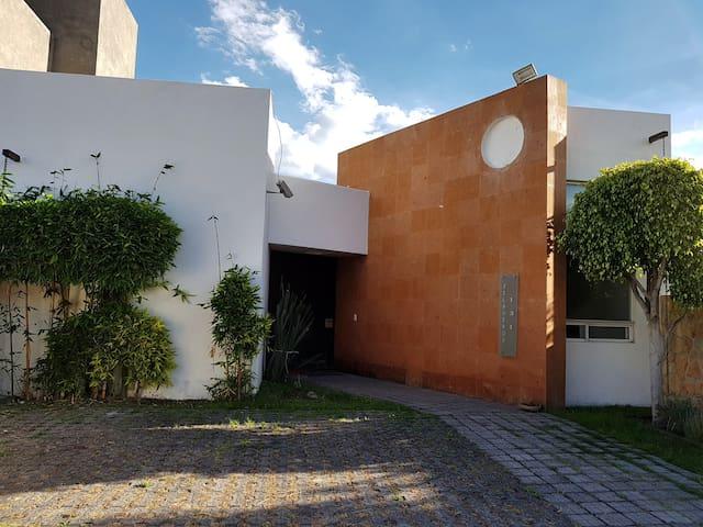 Minimalist At Juriquilla Queretaro, México. - Juriquilla
