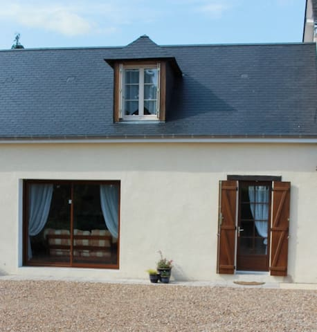 Le Verger at La Cerniére is newly renovated Gite - Dénezé-sous-le-Lude - Casa