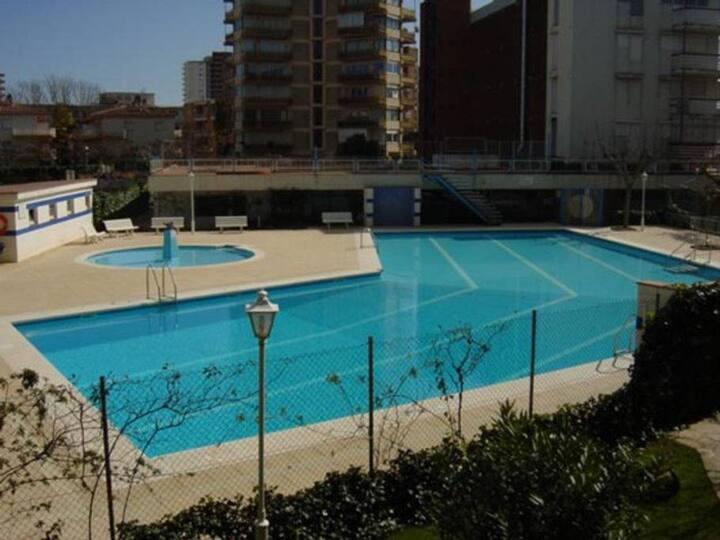 Piso comodísimo con piscina y cerca de la playa