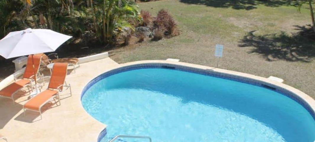 Royal Villa 2 - Mount Standfast - Vila