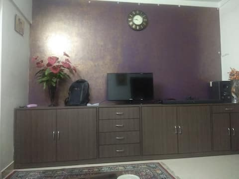 Private AC room, with breakfast! Fully serviced!