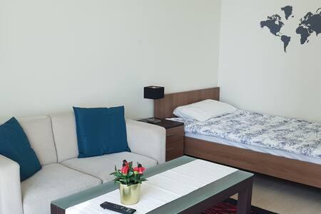 1 bedroom apt in luxury tower, West Bay Doha.