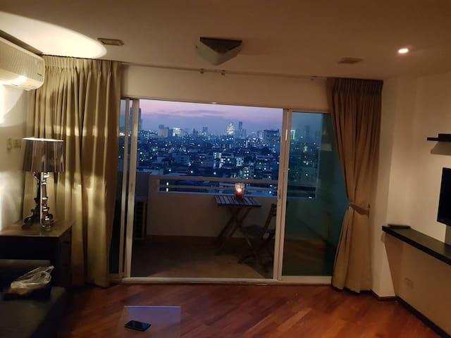 Tadchakorn room in srivara mansion2