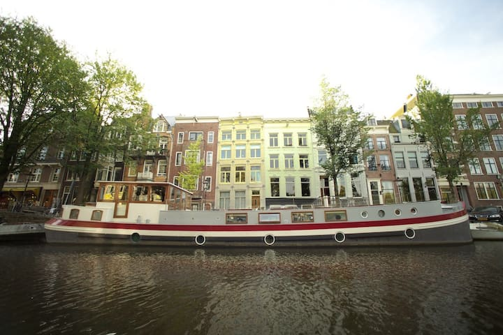 Unique Luxury Houseboat in Amsterdam City Center
