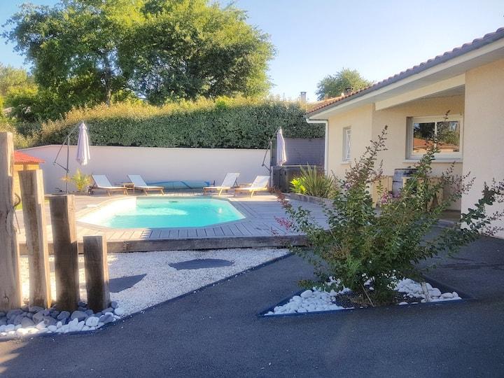 Délicieuse Villa 4 chambres avec piscine chauffée