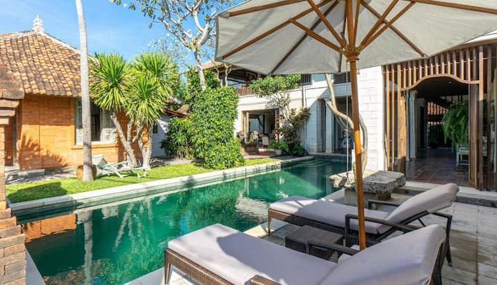 Four Bedroom Balinese Colonial Style Villa Sanur