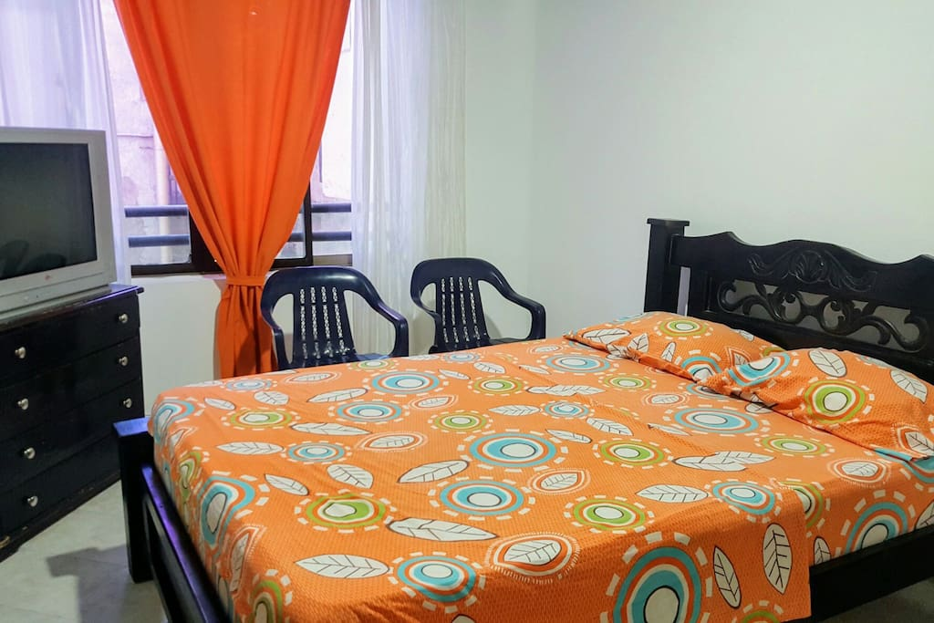 Amplias y comodas habitaciones / Spacious and comfortable rooms.