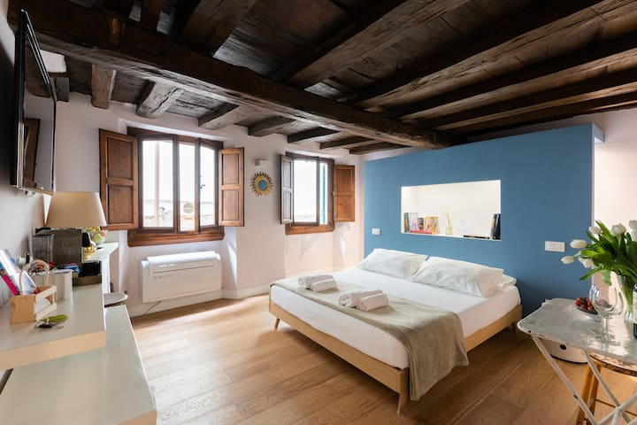 VELLUTI Suite in Florence