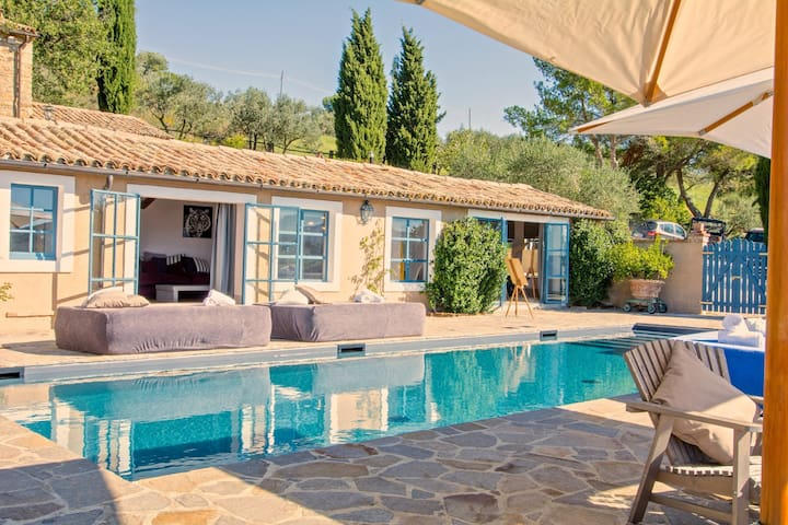 Villa Azzurra, a charming house with private pool