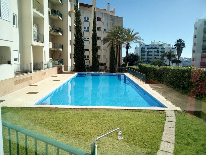 Sunny Algarve-wifi/pool/parking&close drive2 beach