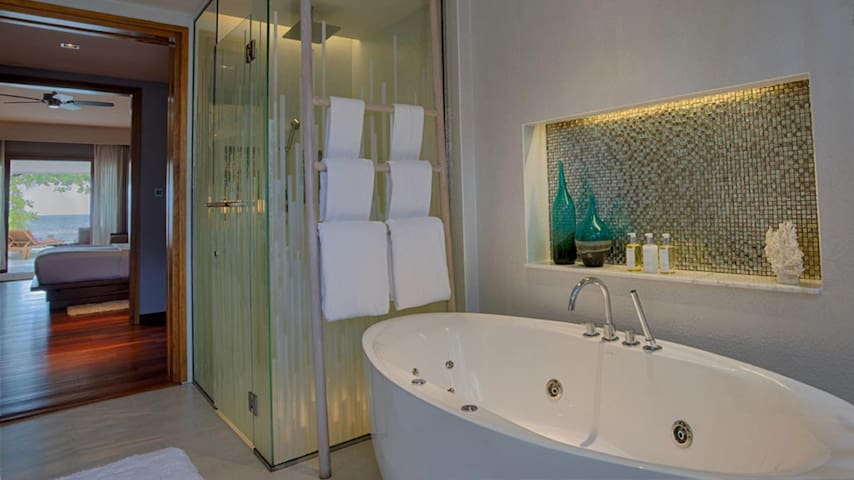Contiguous Suite With Private Pool At South Ari Atoll
