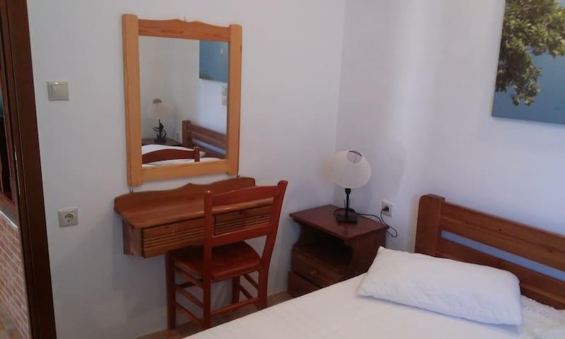 Porto Poros Apartment fro 4 Geusts - Mokros Gialos - Apartemen