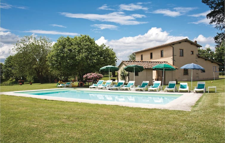 Holiday cottage with 5 bedrooms on 200 m² in Borgo San Lorenzo FI