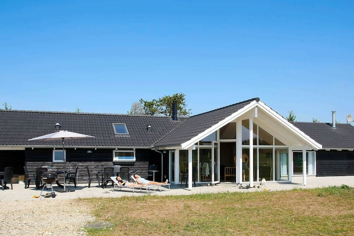 Luxurious Holiday Home in Hojslev near Sea