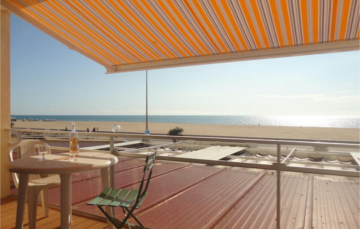 Nice apartment in Narbonne Plage with 2 Bedrooms