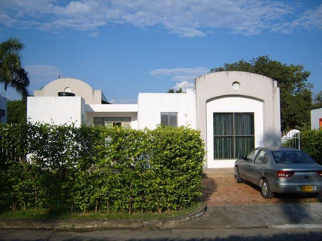 Casa de recreo en Bosques de Peñalisa - Ricaurte - House