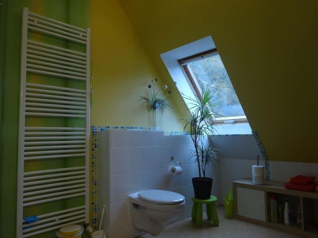 Badezimmer mit Korkfussboden