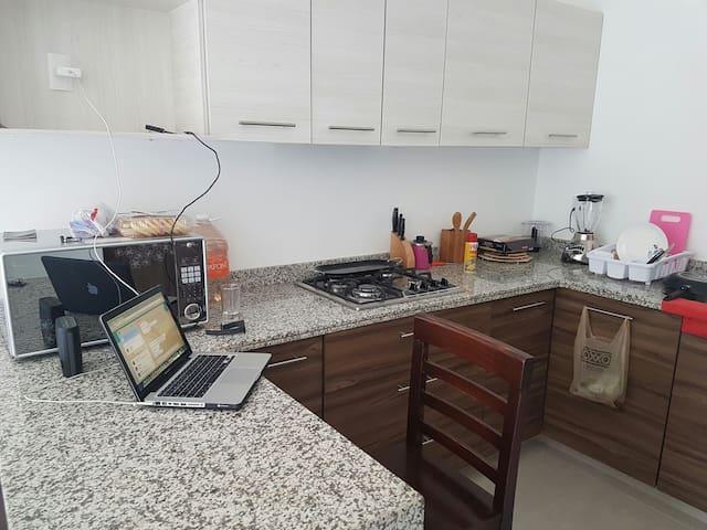 Excelente Habitación Cerca del ITESO UVM TECMILENI - San Pedro Tlaquepaque - Appartement
