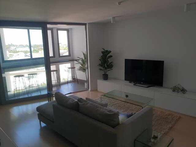 Modern Northbridge Apartment