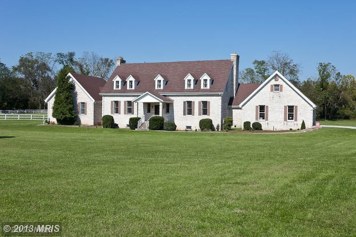 Beautiful Manor House in Maryland