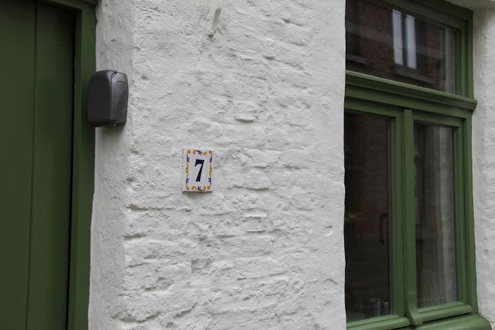 LUCKY   7  in centre of BRUGGE - Brugge - Talo