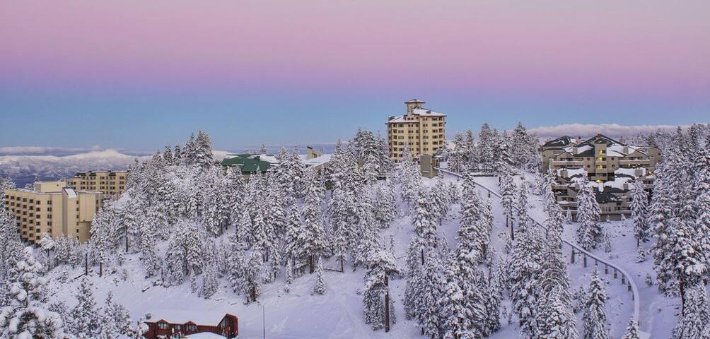 Ridge Tahoe, Tower Bldg, Deluxe Hotel Room - Stateline - Condominium