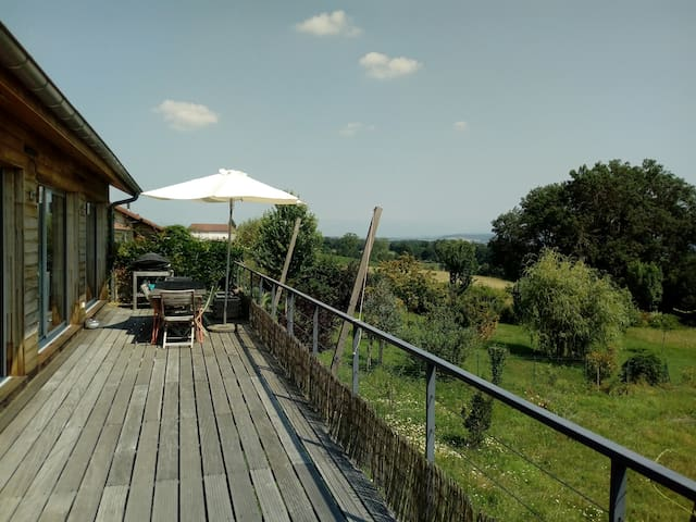 Grande maison lumineuse avec vue sur les Alpes
