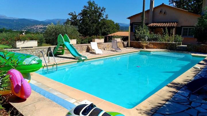 Appart indépendant, piscine et vue Fayence