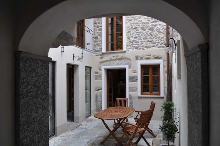 Casa Petrolli: Bello Rustico nel Centro Storico - Cannobio - Dom