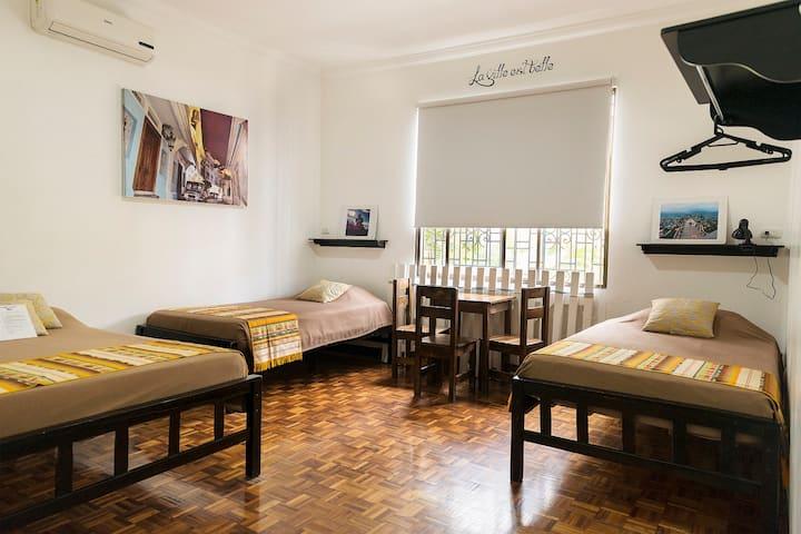Habitación triple en el centro Guayaquil