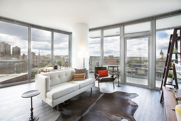 Apt living at its finest   1BR in Minneapolis
