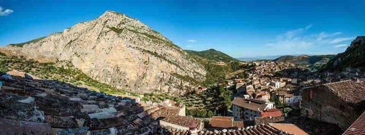 casetta storica  a Civita
