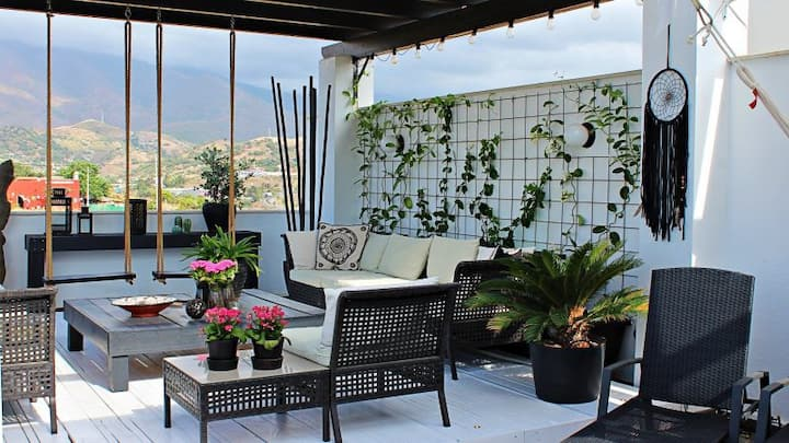 Amazing penthouse in Estepona with great views!
