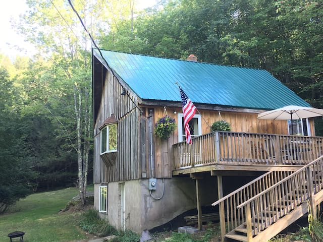 Secluded Catskill Cabin in Jeffersonville - Jeffersonville - Stuga